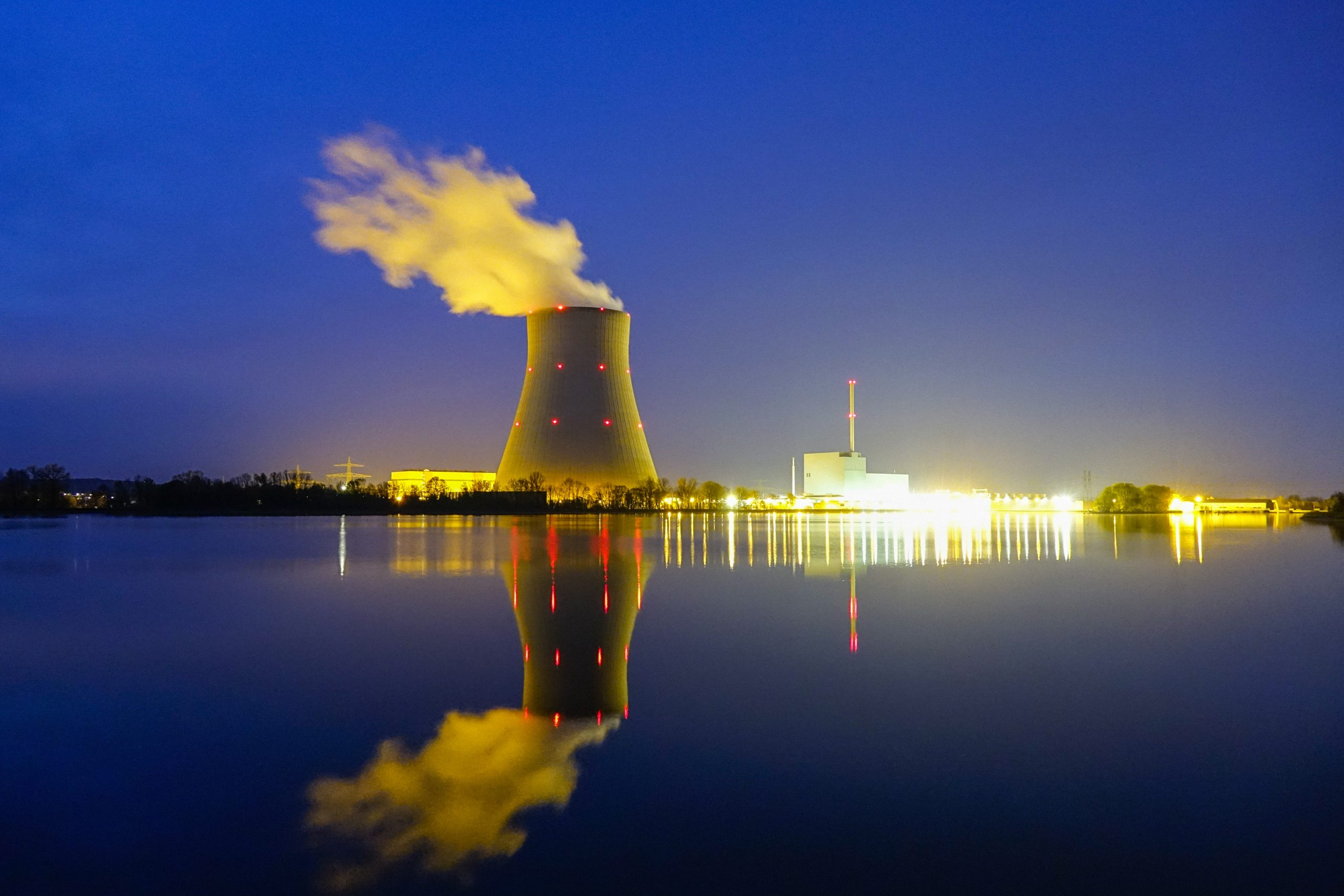 Image complements the text of the article. The image shows a nuclear power plant at night. Imperia Materials Engineering Lab provides forensic investigation of failed parts and components to power plants during outages.